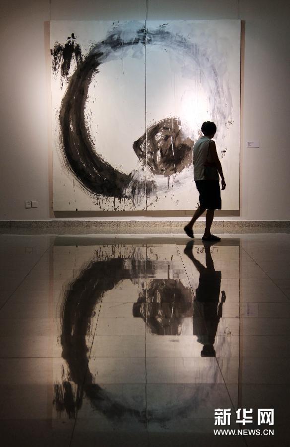 """(文化)(2)""""无形之形——中国当代艺术展""""亮相湖北美术馆"""